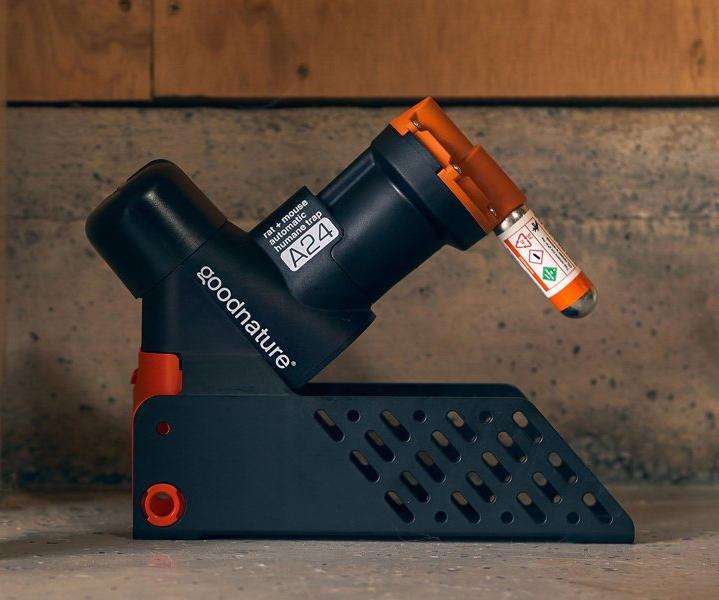 Goodnature A24 fällan med flyttbart stativ, perfekt för hemmabruk när du behöver kunna flytta fällan